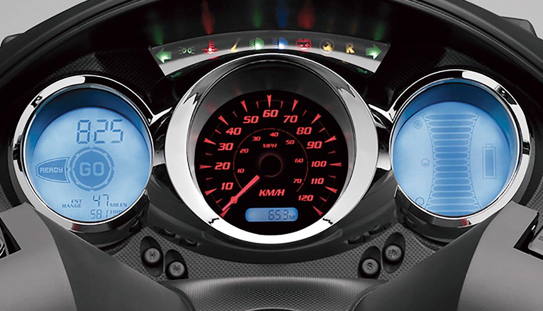 「レバー1本でアクセル&回生ブレーキを操作可能なADIVA VX-1は新感覚の電動スクーターだ!」の19枚目の画像