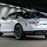 えっ、アルピーヌA110をリフトアップ?  スキーにも行けるオフロード仕様「スポーツX」初公開! - alpine-a110-sportsx-show-car-9