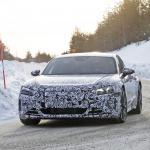 アウディ「E-Tron GT」を初スクープ! 市販型EV初のスポーツクーペ誕生へ - Audi etron GT 4