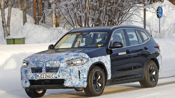 BMW iX3_001