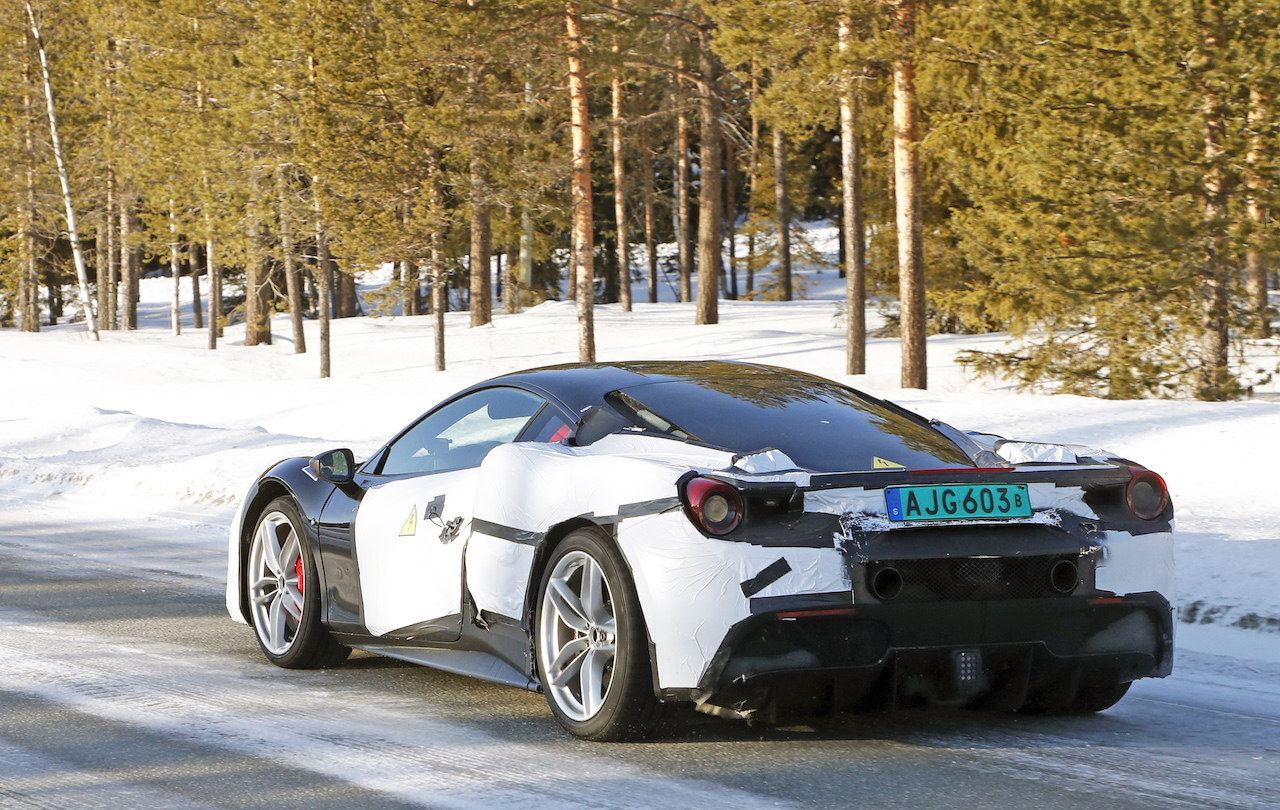 「正体はV6ハイブリッドの新型モデル!? フェラーリ 488GTBベースの開発車輌をキャッチ」の7枚目の画像