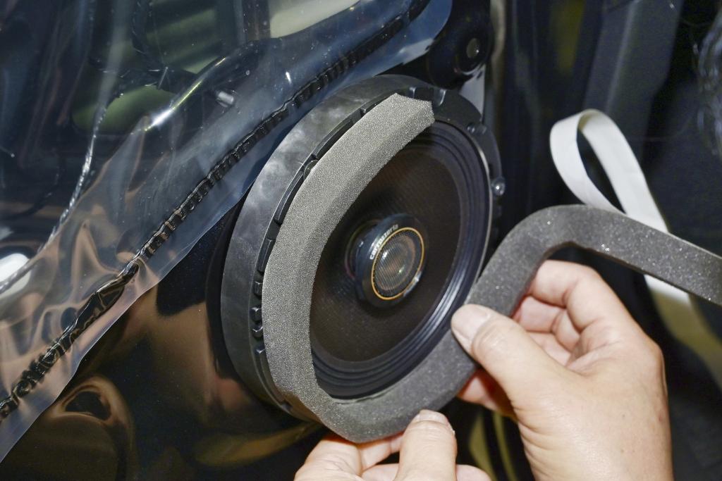 「この発想はなかった!パイオニア カロッツェリアのジムニー専用スピーカー取り付けキットがスゴい理由(PR)」の12枚目の画像