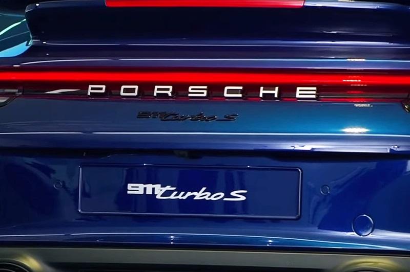 「ポルシェが新型「911 ターボ S」をインターネットでワールドプレミア!」の1枚目の画像