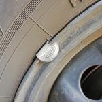ホイールに必ず付いているなぞの重りはなぜ必要なの?【タイヤ豆知識:ホイールウェイト】 - TIRE_balance0003