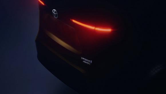 トヨタ 新型SUVティザーイメージ_001