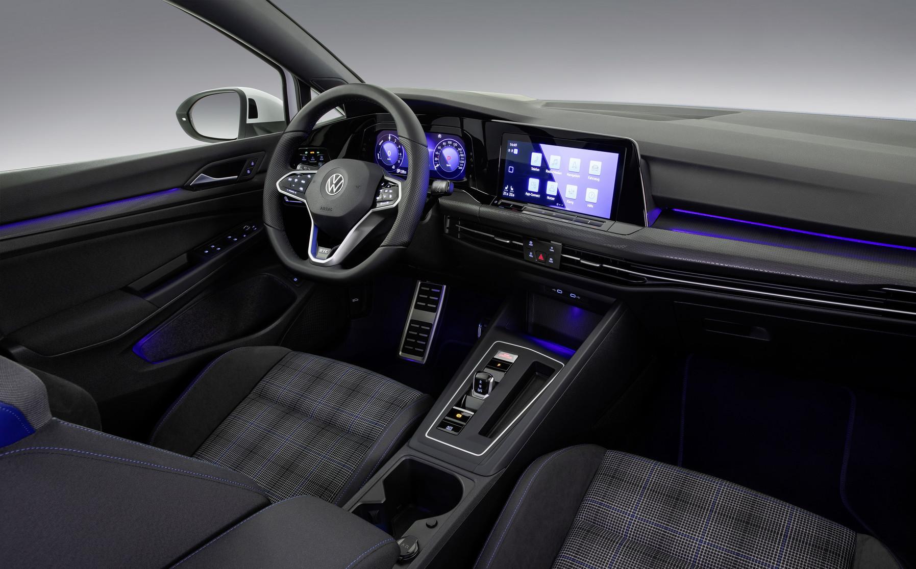 「フォルクスワーゲンが新型Golf GTI、GTE、GTDの3台を発表【新車】」の10枚目の画像