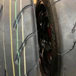 黒いタイヤに付けられた色のマークやラインにもちゃんと意味があるのです【タイヤ豆知識】 - tire_line_06