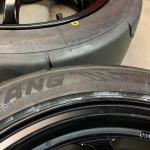 黒いタイヤに付けられた色のマークやラインにもちゃんと意味があるのです【タイヤ豆知識】 - tire_line_07