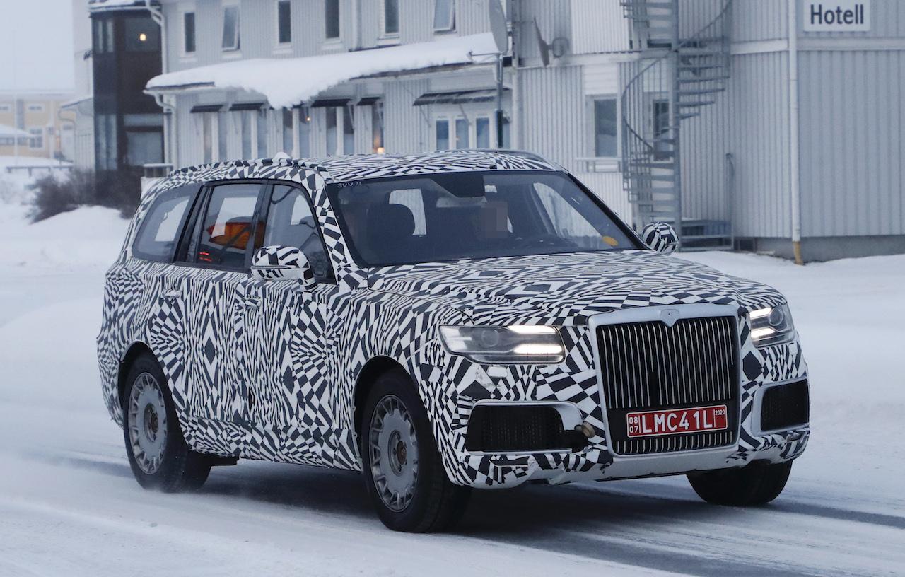 「「ロシアのロールスロイス」は、指揮官の名を持つ超豪華SUV。598馬力のハイブリッドを搭載し、2022年発売」の2枚目の画像