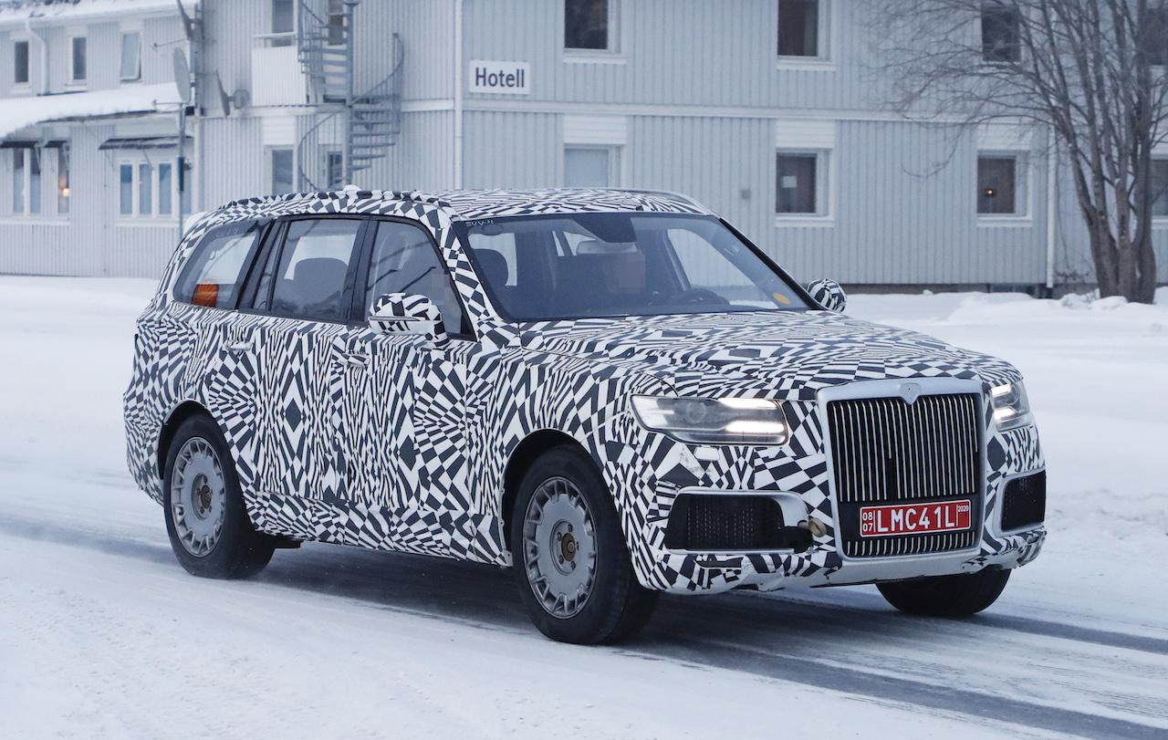 「「ロシアのロールスロイス」は、指揮官の名を持つ超豪華SUV。598馬力のハイブリッドを搭載し、2022年発売」の3枚目の画像