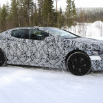 メルセデス・ベンツのEVセダン「EQE」開発車両、アイスバーンを駆け抜ける! - Mercedes EQE