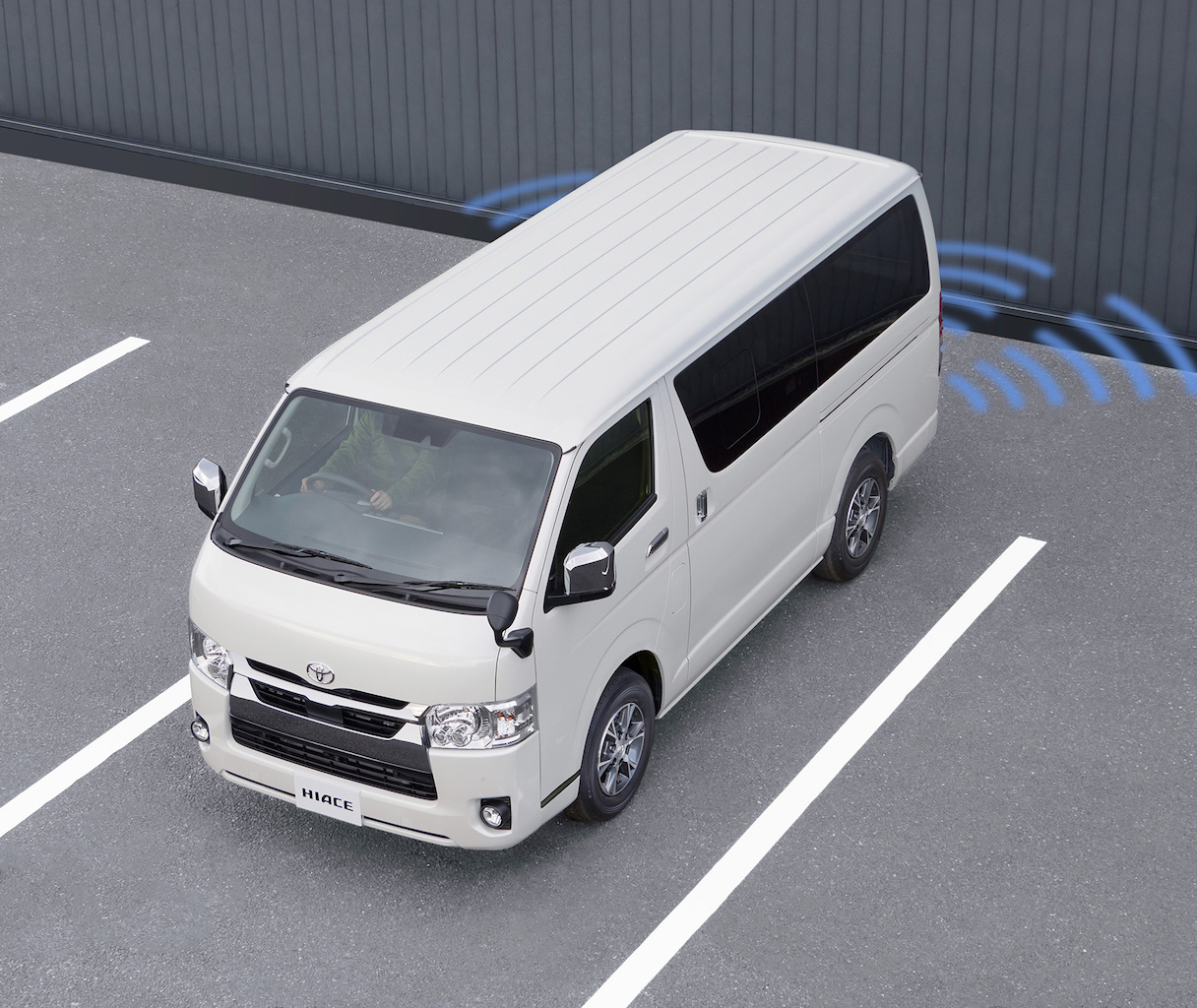「トヨタ・ハイエースが一部改良。デジタルインナーミラー、パノラミックビューモニターなどを採用【新車】」の18枚目の画像