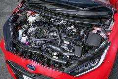 トヨタ・ヤリス HYBRID Gのエンジン