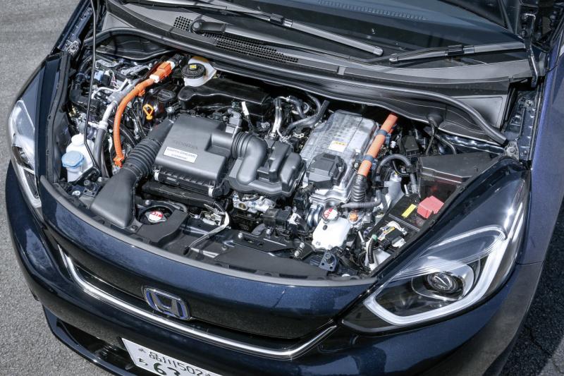 ホンダ・フィット e:HEV LUXEのエンジン