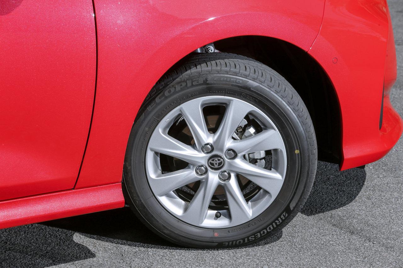 「ヤリスvsフィット、ガソリンvsハイブリッド…自動車評論家が選ぶベストバイはどれだ!?」の31枚目の画像