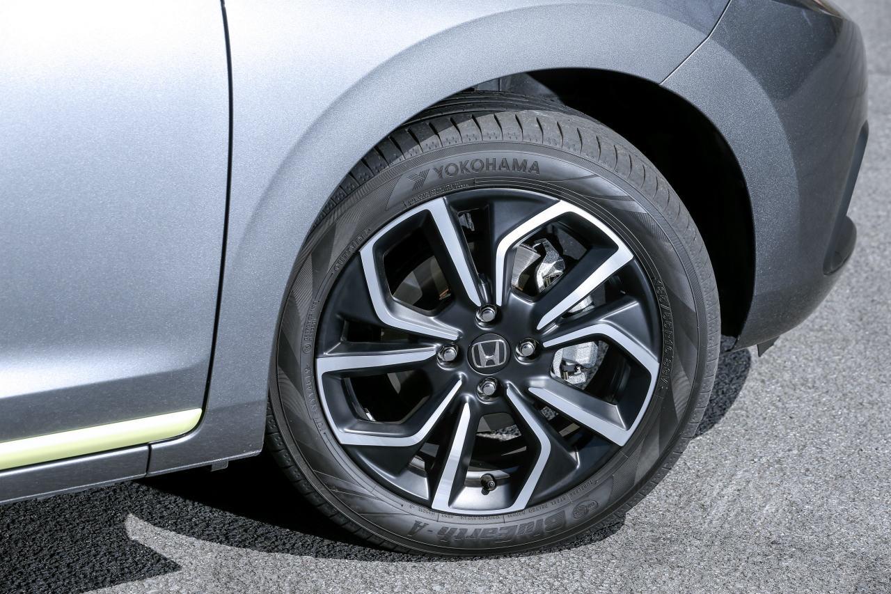 「ヤリスvsフィット、ガソリンvsハイブリッド…自動車評論家が選ぶベストバイはどれだ!?」の34枚目の画像