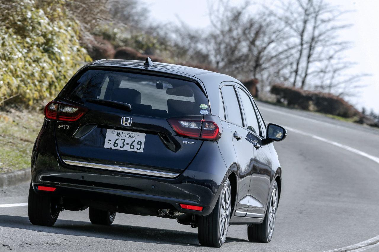 「ヤリスvsフィット、ガソリンvsハイブリッド…自動車評論家が選ぶベストバイはどれだ!?」の8枚目の画像