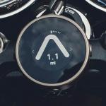 ながら運転対策にも有効! 次世代バイクナビ「BeeLine Moto」に新色・保護フィルムなどが追加 -