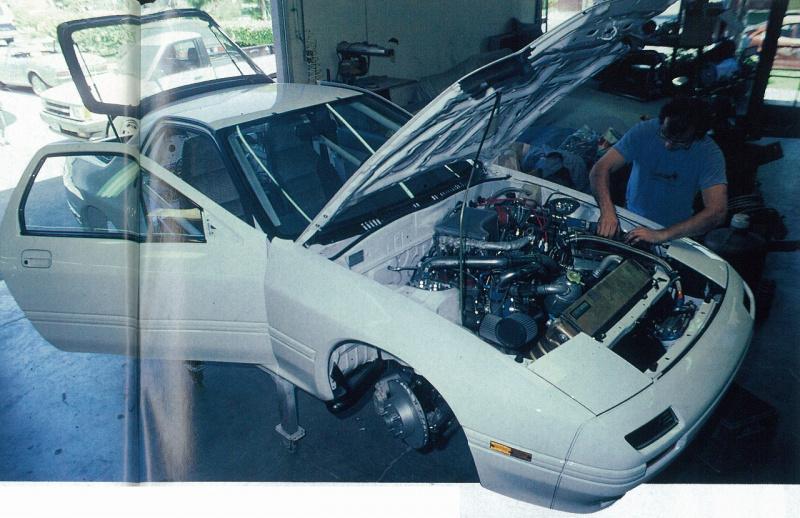 マシンメイク中のレーシングビートRX-7