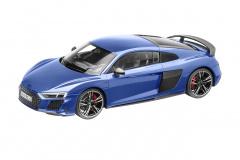 準優勝:Audi R8 Coupéミニカー(サイズ:1/18)