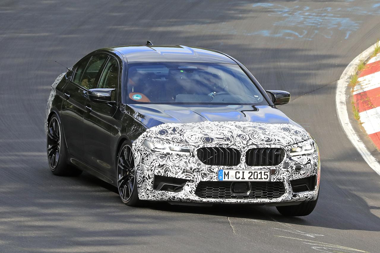 「BMW M5セダン改良型の最終デザインが鮮明に。ニュルで高速テスト」の2枚目の画像
