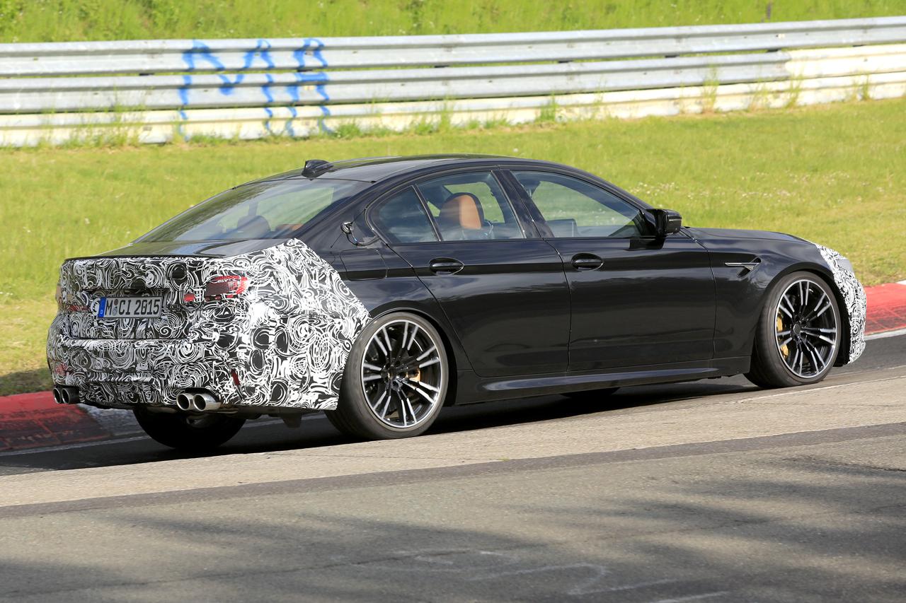 「BMW M5セダン改良型の最終デザインが鮮明に。ニュルで高速テスト」の6枚目の画像
