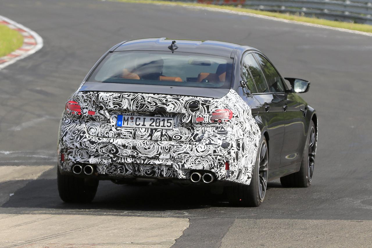 「BMW M5セダン改良型の最終デザインが鮮明に。ニュルで高速テスト」の8枚目の画像