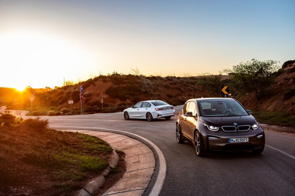 「BMWが最大55万円値下げ! エコカーの衝撃的お買い得な新グレードに落とし穴は? 装備は? 」の2枚目の画像