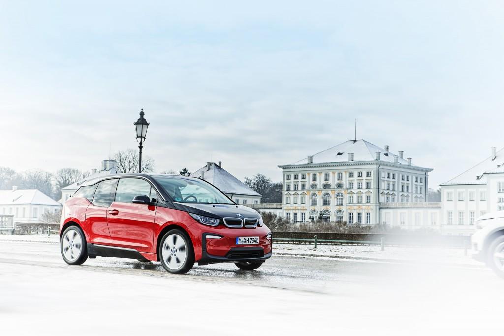 「BMWが最大55万円値下げ! エコカーの衝撃的お買い得な新グレードに落とし穴は? 装備は? 」の4枚目の画像