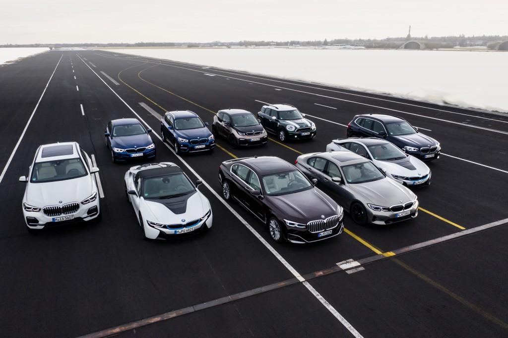 「BMWが最大55万円値下げ! エコカーの衝撃的お買い得な新グレードに落とし穴は? 装備は? 」の7枚目の画像