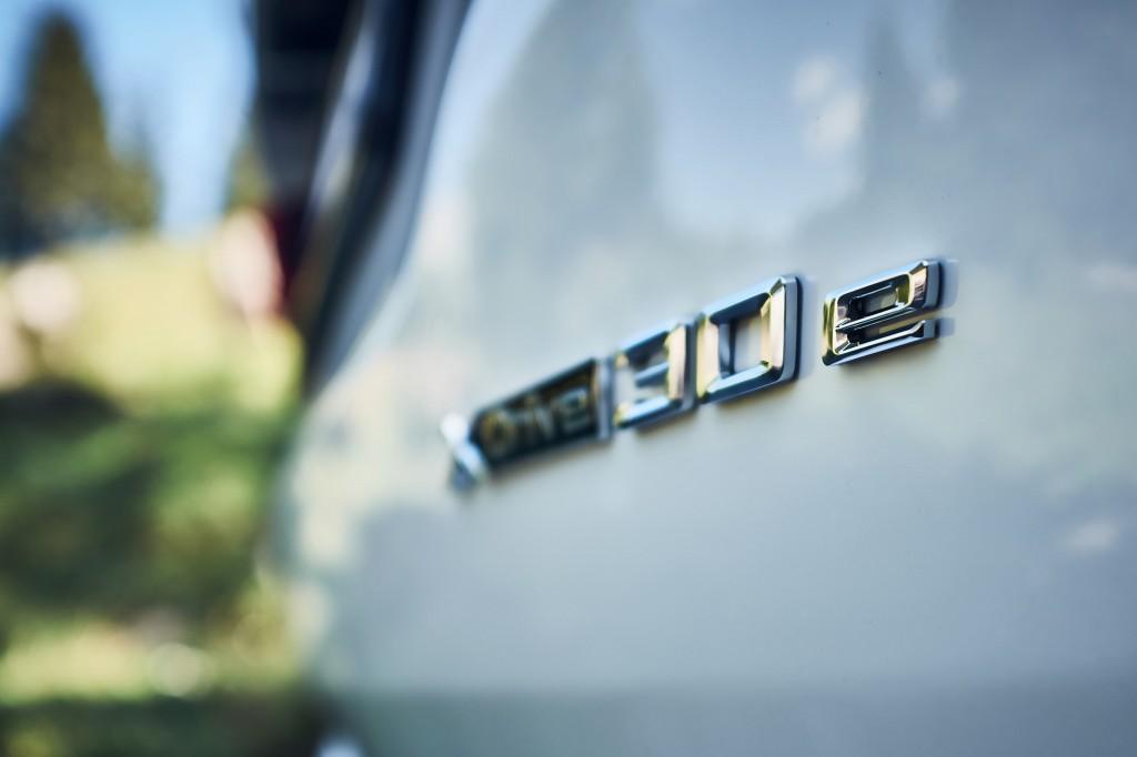 「BMWが最大55万円値下げ! エコカーの衝撃的お買い得な新グレードに落とし穴は? 装備は? 」の6枚目の画像
