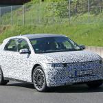 ヒュンダイのEV-SUV「45」はクーペデザインに! 次世代EVクロスオーバーSUVをキャッチ - Hyundai 45 less camo 4