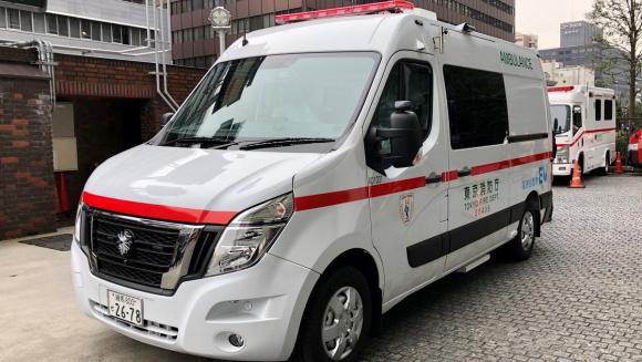 日産自動車 EV救急車