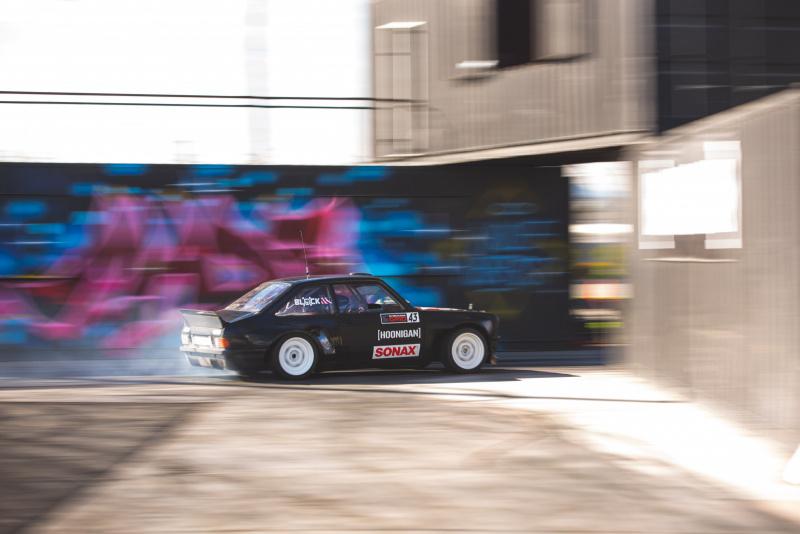 走行するフォード・エスコートMk2_03