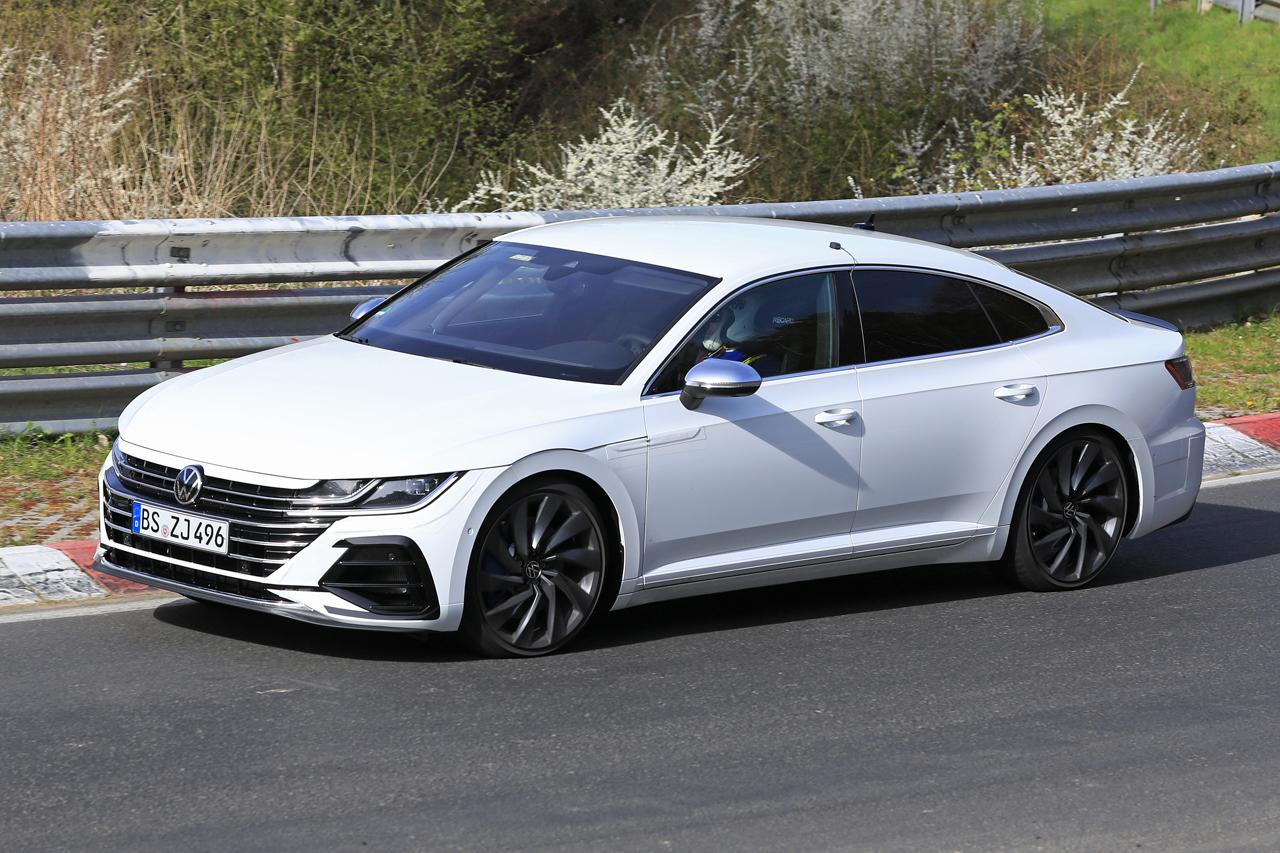 「新開発エンジン搭載で、VW「アルテオンR」は400馬力超!?」の4枚目の画像