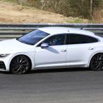 「新開発エンジン搭載で、VW「アルテオンR」は400馬力超!?」の9枚目の画像ギャラリーへのリンク