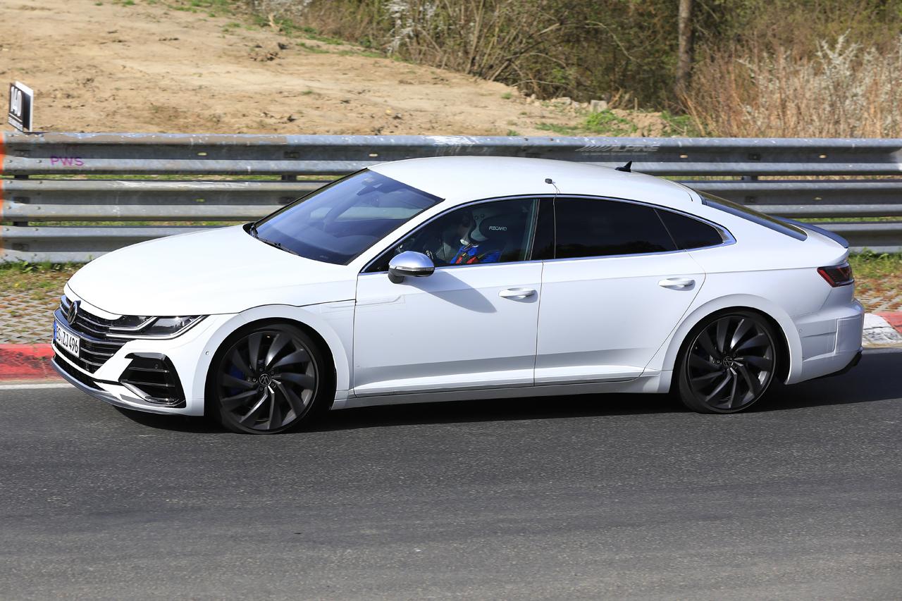 「新開発エンジン搭載で、VW「アルテオンR」は400馬力超!?」の5枚目の画像