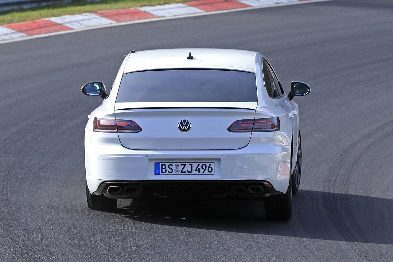 「新開発エンジン搭載で、VW「アルテオンR」は400馬力超!?」の9枚目の画像