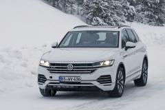 VW トゥアレグ GTE_002