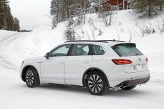 VW トゥアレグ GTE_008