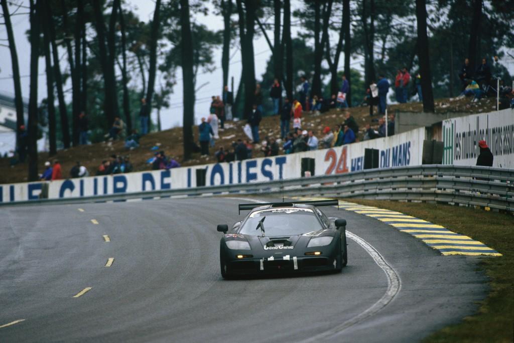 「マクラーレンのル・マン優勝25周年限定車の色はどうして「上野グレー」? 実は日本と深い関係があった!」の1枚目の画像
