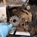 旧車再生の基本・リヤタイヤとチェーンの点検【49年前のCB125は直るのか? 素人再生記】 - cb125k-chain10