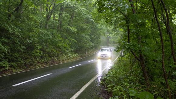 梅雨のタイヤ対策