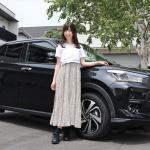 売れまくりの「トヨタ ライズ」をレースクイーンの生田ちむちゃんとチェック! - raize_chimu_002