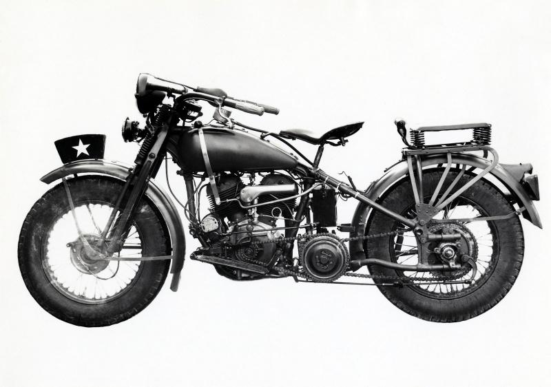 東洋工業初のバイク(1930(昭和5年3月)。