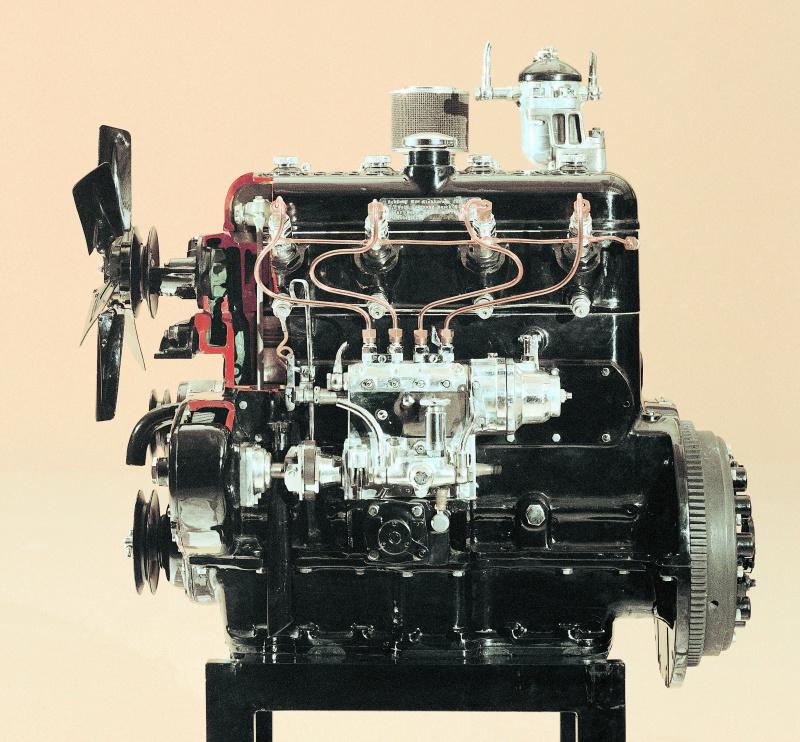 260Dに搭載されたOM 138型 ディーゼルエンジン。