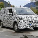 VWの次世代マルチバン「T7」プロトタイプがアルプスで過酷テスト - Spy-Photo