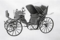 ゴットリーブ・ダイムラーのガソリン4輪車。