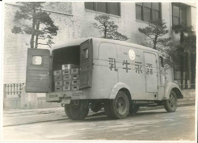 80型のバン(写真は1939年型)。