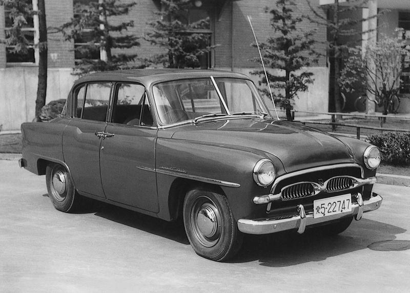トヨペット・クラウン(1955(昭和30)年1月)。